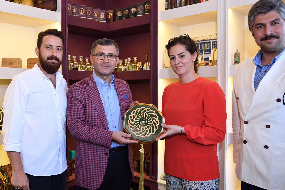 Osmanlı Hanedan Üyesi Nilhan Osmanoğlu Sultan. Hanedan Ailesi Reisi Harun Osmanoğlu Efendi'nin Torunu Şehzade Harun Osmanoğlunun Kızı
