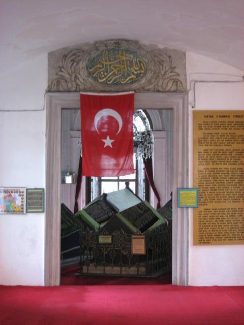 Sultan 2. Mahmud Türbesi Divanyolu Çemberlitaş Fatih Eminönü İstanbul