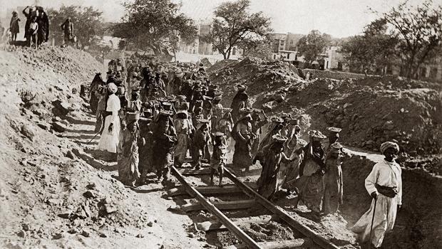Demiryolu İnşaatı Osmanlı Hicaz Tren Yolu Demiryol II. Abdülhamid Han Rumeli Hicaz Treni Anadolu Bağdat Demiryolları Osmanlı Demiryolu İnşasının Temel Probleml