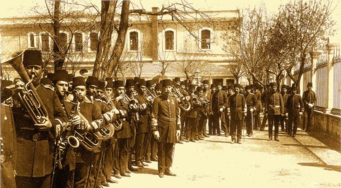 Osmanlı İmparatorluğu Saffet Bey Bandon Hem De Orkestra Yöneticisi. Mızıka Yı Hümayun Osmanlı Türk Askeri Ordu Bandosu