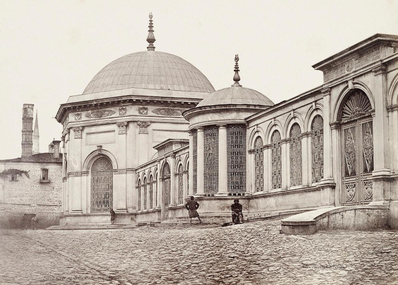 Osmanlı Devleti Sultanları Mezar Ve Türbeleri Nerededir Divanyolu 2. Mahmud Sultan Abdülaziz Ve 2. Abdülhamid Türbesi