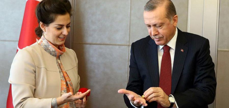 Abdülhamid Torunu Nilhan Sultan Osmanoğlu. Cumhurbaşkanı Erdoğan Dedemin Düşmanları Aynı Sabah Gazete Haberi