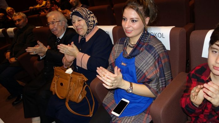 Sultan 2. Abdülhamid Han Anma Etkinlikleri Eyüp Belediyesi Kültür Sanat Merkezi Istanbul Genç Piyanist Güneş Yakartepe Sultan II.Dönemi Eserleri Ve Müzikleri Tanıtımı Konseri Piyanist Güneş Yakartepe
