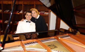 Genç Osmanlı Piyanist Güneş Yakartepe Kimdir Genç Şair Besteci GÜNEŞ YAKARTEPE Kısa Ansiklopedik Vikipedi Bilgisi Nedir Piyano Türküler Şarkılar Konseri